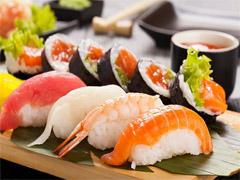 du học nhật thưởng thức sushi